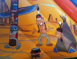 Indianie malunek z prawego boku dmuchańca